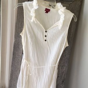 Sleeve less cream dress shirt